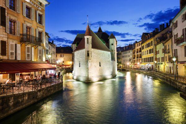 Annecy, Alpes, Haute-Savoie, Vieille ville et canal du Thiou, palais de l'Ile