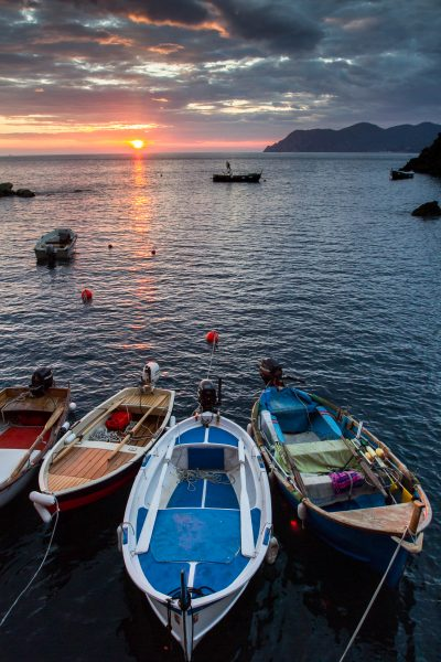 Cinque Terre, Italie, Ligurie, Manarola, barques, coucher du soleil