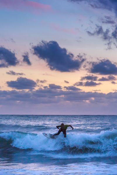 Cinque Terre, Italie, Ligurie, Levanto, surfeur