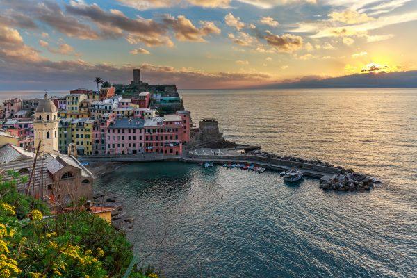 Cinque Terre, Italie, Ligurie, Vernazza, coucher du soleil