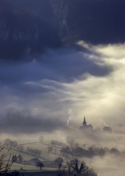 Alps, Isère, Chartreuse, brume, St Christophe la Grotte