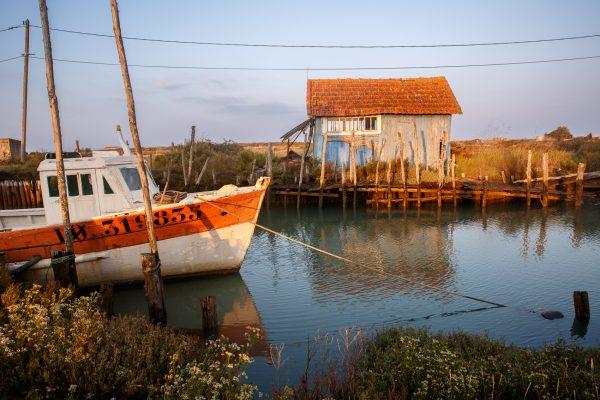 chenal ostréicole sur l'île d'Oléron, la Baudissière, stage photo en Charente Maritime,