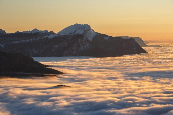 paysage de chartreuse en hiver avec mer de nuage pendant un stage photo