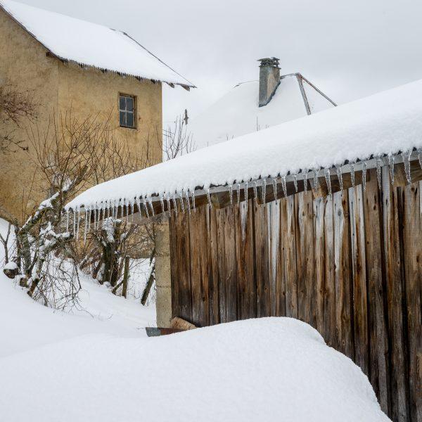 village de montagne sous la neige, stage photo Chartreuse en hiver