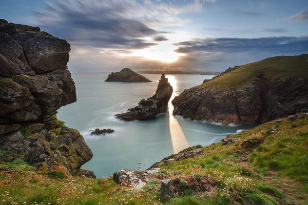 Côtes de Cornouailles au coucher du soleil, Angleterre