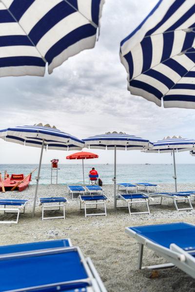attente, plage de Monterosso, Cinque Terre