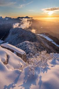 photo de paysage en Chartreuse au coucher de soleil en hiver