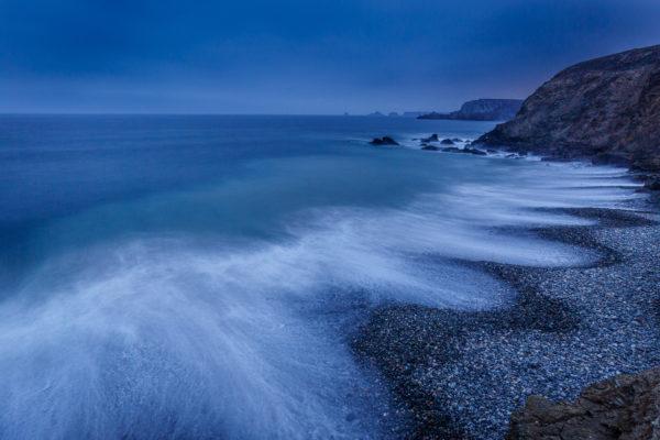 Plage à l'heure bleue, Bretagne, presqu'île de Crozon