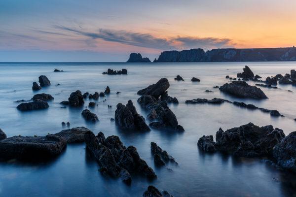 Pose longue sur la mer au coucher du soleil, stage photo en Bretagne