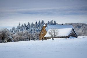buron d'Aubrac en hiver